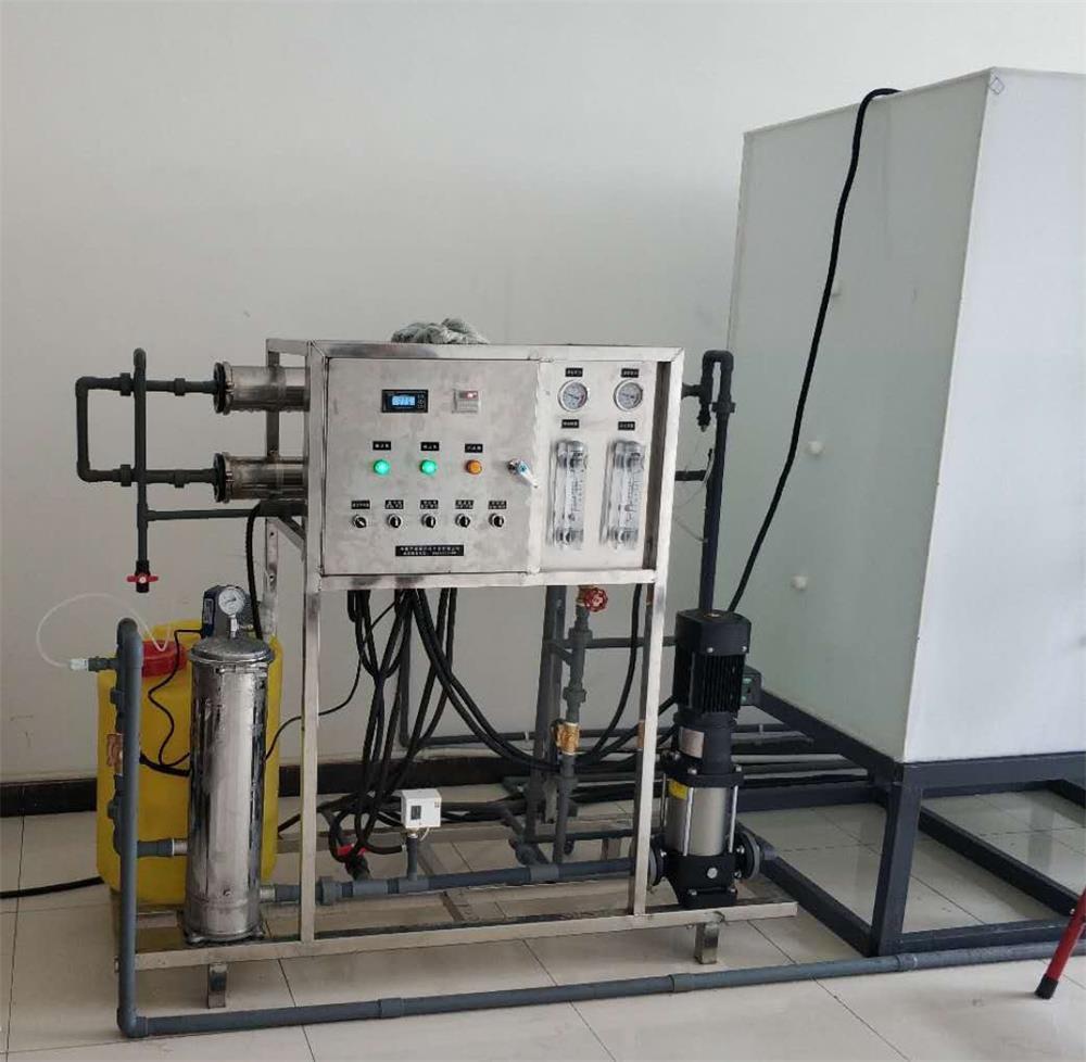 吉林纯净水设备0.5T机组.jpg